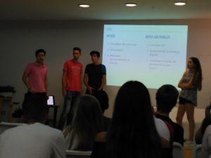 Grado LEINN Valencia emprendedores analizando primeros aprendizajes